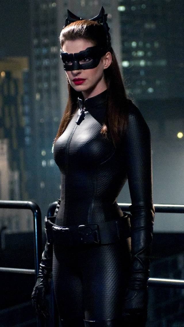 Anne Hathaway Catwoman  The iPhone Wallpapers