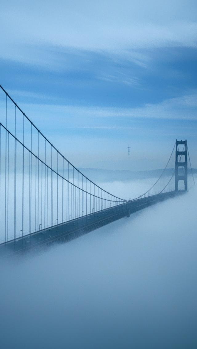 Golden Gate Bridge Fog - The iPhone Wallpapers