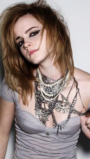 Emma Watson Hot Look