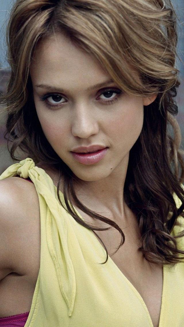 Attractive Jessica Alba Actress