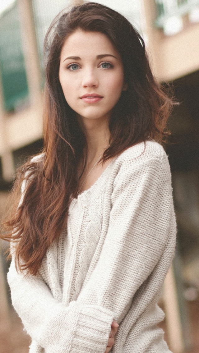 Tumblr Girl Emily Rudd