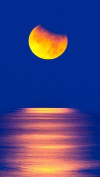 Yellow Moon Sea