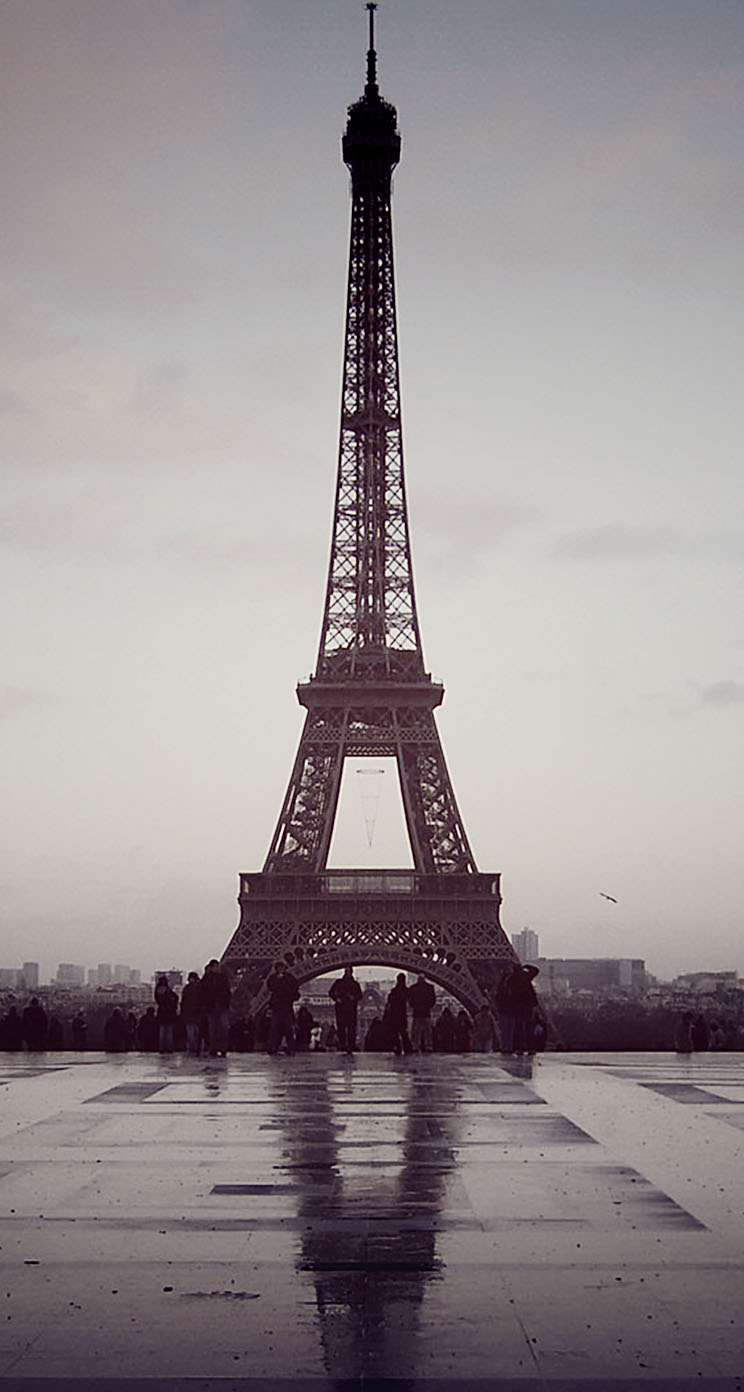 paris eiffel tower france the iphone wallpapers. Black Bedroom Furniture Sets. Home Design Ideas