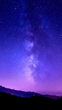 Milky Way on tuscany mountain