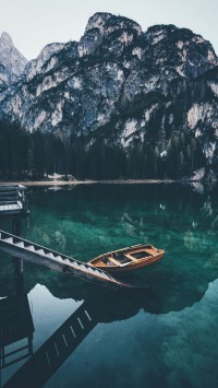 Lonely-boat