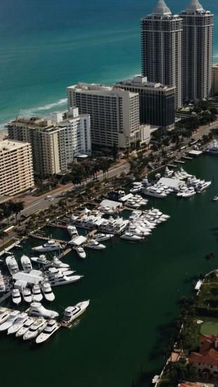 Yachts Miami Florida