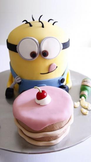 Minion Happy Birthday Cake