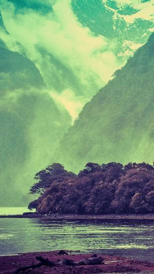 The Milford Sound Spray