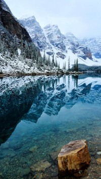 Banff National Park Moraine lake