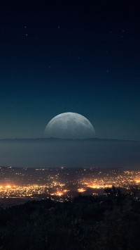 Moon-on-the-horizon-200x355
